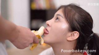 Nonton Video Bokep Korea Terbaru Ngajarin Pacar Makan Pisang